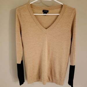 100% wool V-neck Sweater